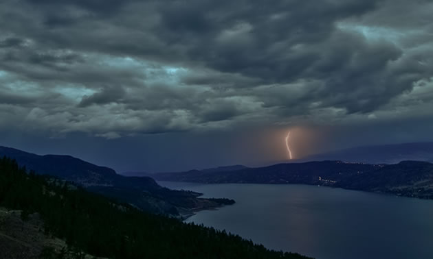 Kelowna is nestled in the Okanagan Valley, stretching out into the mountains and far along the shores of Okanagan Lake.
