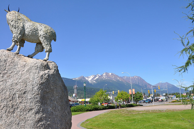 A statue of a mountain goat at the end of a street in Smithers, B.C.