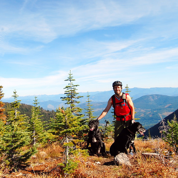 Get outside and enjoy the Nelson hiking and biking trails!