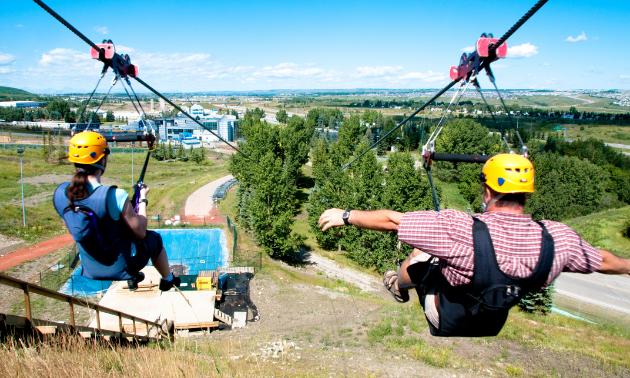 WinSport is home to North America's fastest zipline, reaching speeds of up to 140 km/h (87 m.p.h.) from the top of the 90-metre (295-foot) Ski Jump Tower.