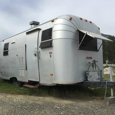An Avion travel trailer.