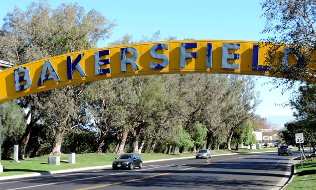 The sign that welcomes people into Bakersfield, California.