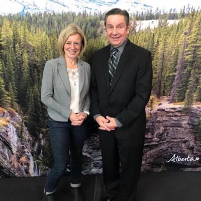 Dan Merkowsky of RVDA of Alberta, Alberta Premier Rachel Notley.