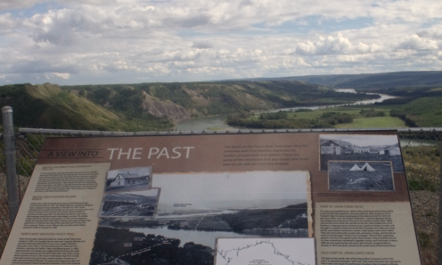 One of the RV-friendly lookouts can be found at the 100th Street Lookout over Peace River Interpretive Signs.