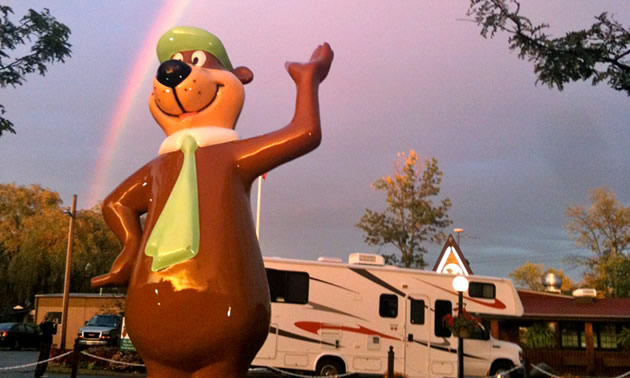 The Jellystone Park at Niagara Falls, Ontario with giant Yogi Bear statue.