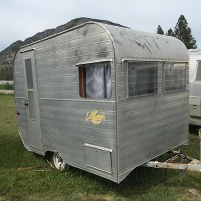 A vintage Li'l Loafer trailer.