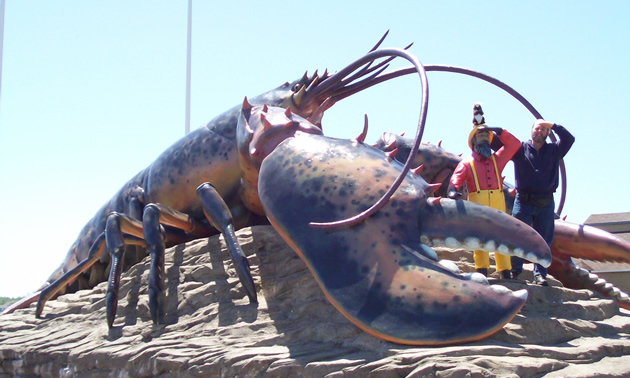 Ralph and a huge lobster statue