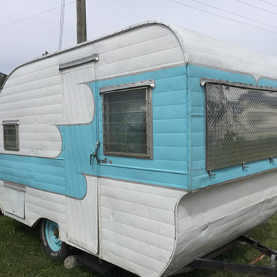 A spiffy powder-blue and white vintage Oasis trailer, spotted in Canal Flats.