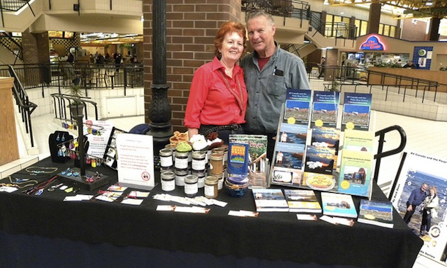 Barb and Dave Rees at the Victoriaville mall at the Thunder Bay Country Market
