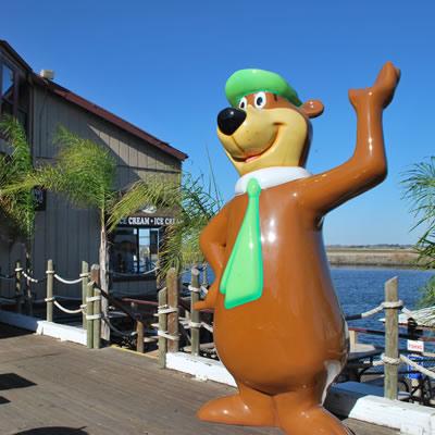 Giant Yogi Bear statue.