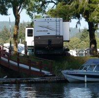 Camping at Chinook Bend RV resort