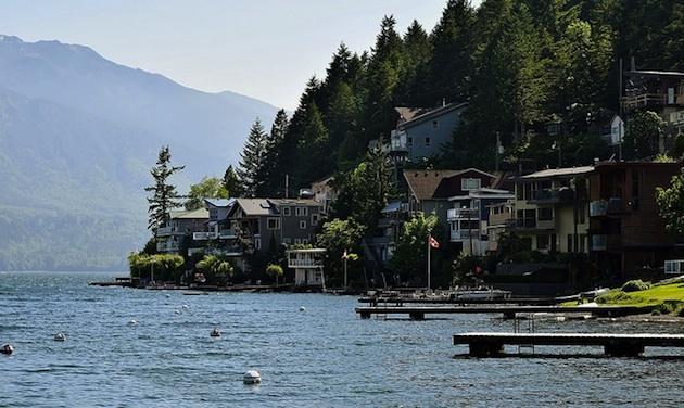 Homes at Cultus Lake.