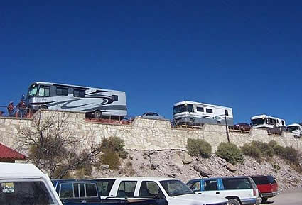 RVs crossing the border