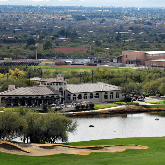 overview of Hole 18 with the clubhouse in the background