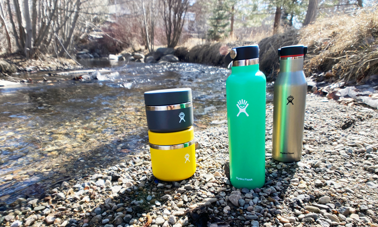 hydro flasks lined up together