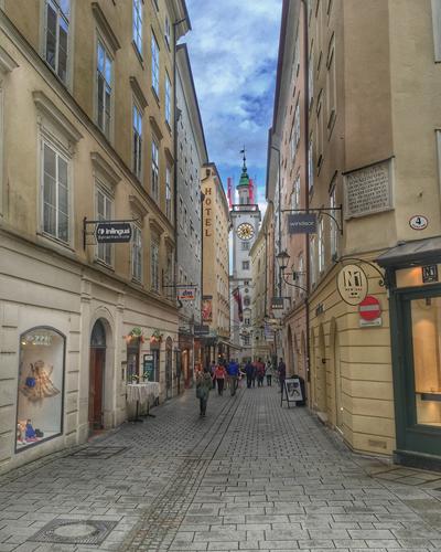 Side street shopping in Vienna.