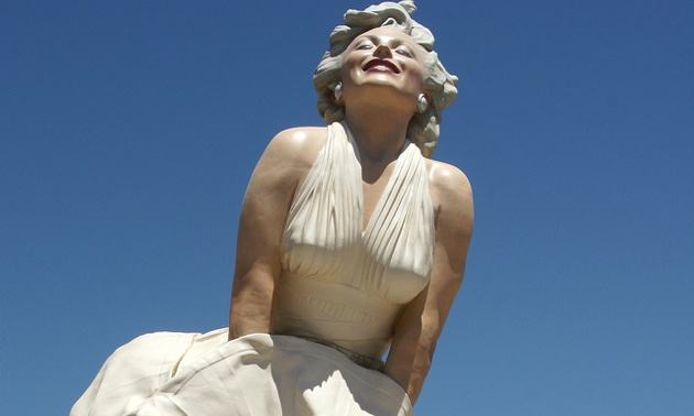 Marilyn Monroe sculpture is made of bronze and glazed in an incredible 10-layer patina that gives it a dramatic and realistic impression.