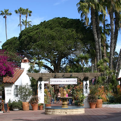 Picture of the entrance of 'Old Town' in San Diego.