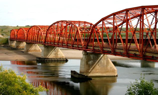The famous SkyTrail pedestrian bridge near Outlook, Saskatchewan. Photo by Aaron Spence