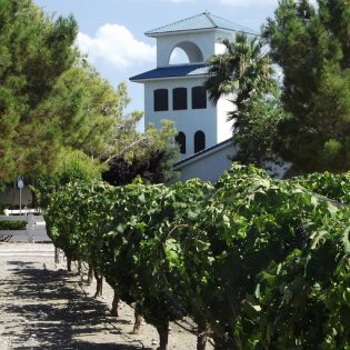 The Pahrump Valley Winery offers wine tastings and fine dining in Pahrump, Nevada. Photo courtesy Town of Pahrump