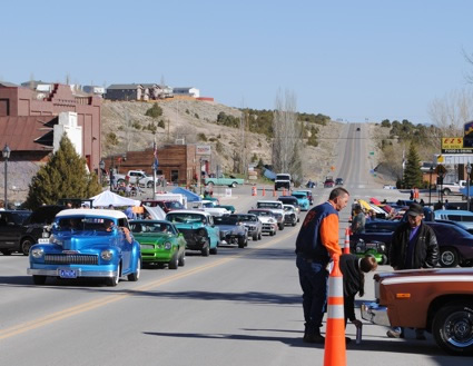 Cars roll into Eureka on the main highway