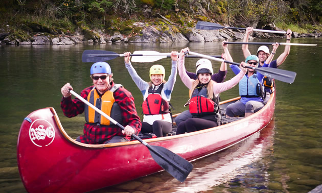 Voyageur paddlers on the Shuswap.