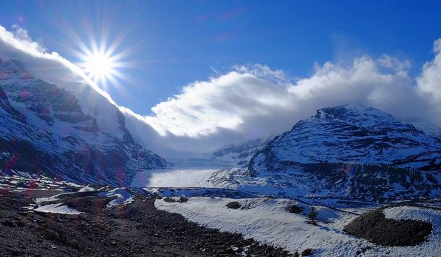 Athabasca glacier presents amazing photo ops.