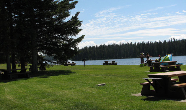 Day use area at the Provincial Park Lac la Jeune, near Kamloops.