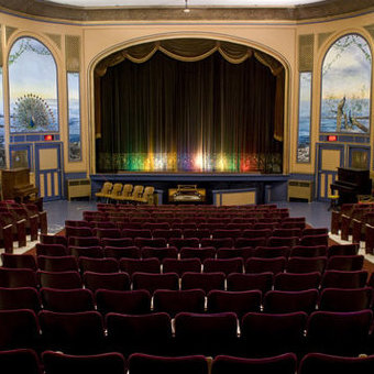The Patricia Theatre in Powell River has a long and storied cinematic history. It is also a beautiful bit of architechure, inside and out.